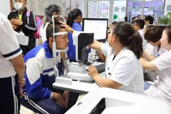 青少年视力检测
